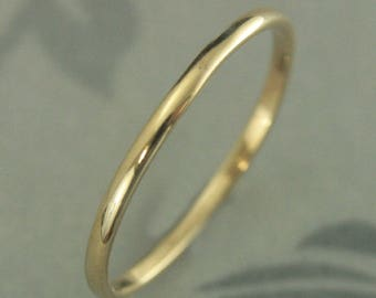 Women's Gold Band~Thin Gold Ring~Women's Wedding Band~Women's Gold Ring~Thin Wedding Band~Petite Wedding Ring~Thick Skinny Minnie Band