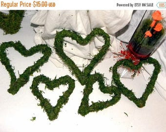 Save25% Moss Hearts in 5 assorted sizes-Bendable moss and wire hearts for weddings and more