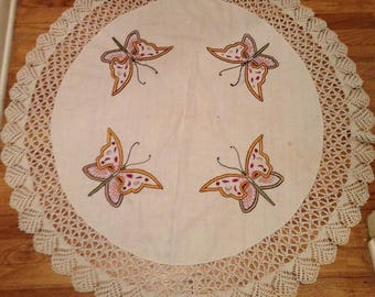 Vintage 39-inch Round Linen Hand-Embroidered & Crocheted Table Covering ~ Lace Trim is Gorgeous