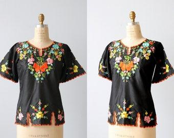 Vintage 1970s Embroidered  Boho Peasant Festival  Blouse / Boho Top / 1970s Blouse
