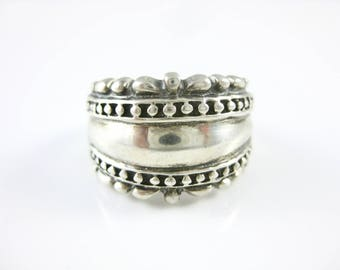 Size 7 Vintage Sterling Silver Domed Ring Band