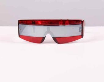 1980s mirrored super hero sunglasses lighted red white & blue silver chrome lenses aviator  summer eyeglasses