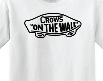 """Game of Thrones - """"Crows on the wall"""" -Unisex t-shirt"""
