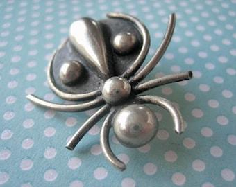 Vintage spider brooch, Vintage modernist spider brooch, insect brooch, vintage insect jewelry, spider brooch, silver spider, 1960s spider