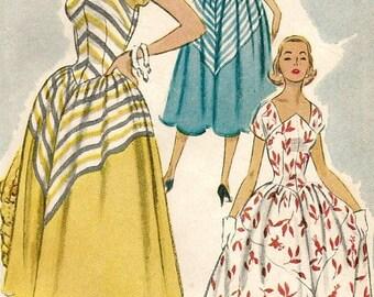 ChristmasinJuly Vintage 50s McCalls 9220 Misses MidCentury Shaped Neckline, Full Skirt Sun Dress Sewing Pattern Size 18 Bust 36