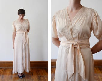 1930s Pale Pink Silk Dressing Robe - S/M