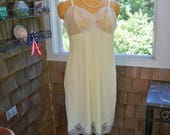 Vintage Clothing Lingerie Full Yellow Slip Size 40 Van Raalte Made in USA