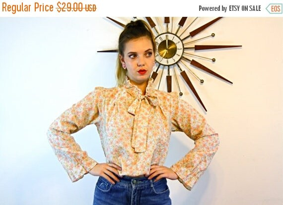SALE 50% OFF Vintage 70s Floral Hippie Blouse BYER Califronia Pussybow High Ruffle Collar Rust Orange Flowers Pussy Bow Tie Top 1970s Boho P