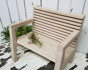 SMALL WOODEN Taupe BENCH
