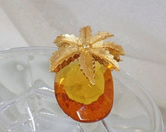 SALE Vintage Glass Pineapple Brooch and Pendant.  Rare Sarah Coventry.  Gold Glass Pineapple Pin.