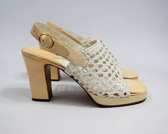 1970s Joseph Cream and White Leather Sandals - Lattice Cage Size 6N - Open Toe Sling Back Leather Pumps // Heeled sandals