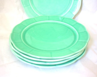 Green Mid Century Plates w Scalloped Edge x 5