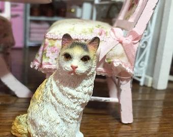 4th SALE Miniature Cat Figurine Style 7, Gold & White Mini Cat, Dollhouse Miniature, 1:12 Scale, Dollhouse Size Figurine