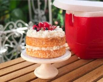 LD SALE Miniature Strawberry Shortcake on White Cake Stand, Dollhouse Miniature, 1:12 Scale, Miniature Food, Dollhouse Food Accessory