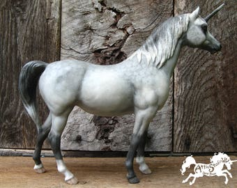 DAPPLE GREY UNICORN, cm Custom Breyer Arabian 9 Inches Tall Traditional Scale Model, Hand-Painted w New Horn pam Horse Horses Dappled Gray