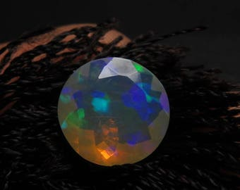 Ethiopian Welo OPAL - AAAAAAAAAA - High Quality Fine Cut Faceted Round Stone Full Flashy Color Full Fire size - 10x10 mm - Height 5 mm
