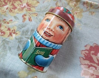 Vintage Daher round CHRISTMAS TIN with Lid - caroler, winter, Cap-Tins, made in England