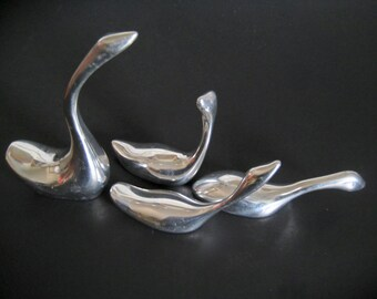 Four Hoselton Aluminum Geese Circa 1980s Small Silver Tone Figurines