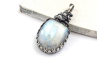 Moonstone pendant, wire wrapped jewelry, gemstone fine pendant, sterling silver jewelry, metalwork jewelry