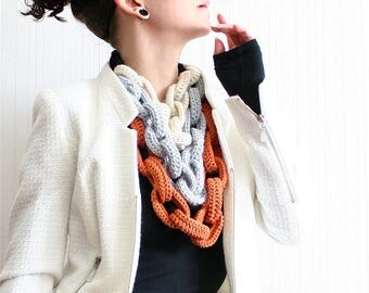 layered crochet chain necklace // chain link scarf // chunky crochet necklace // chain layered necklace // statement necklace // colorblock
