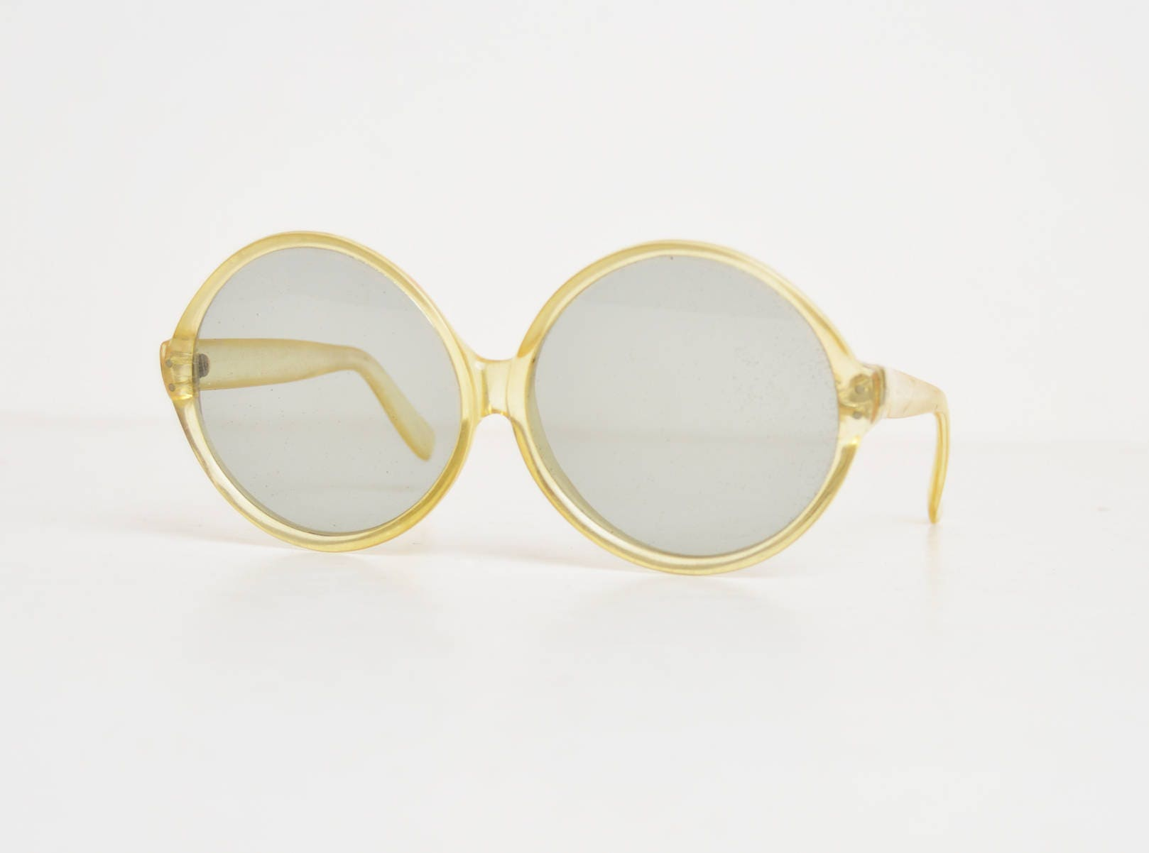 4b43bb9212e Vintage 60s 70s MOD Round Sunglasses Clear Pale Yellow Oversized Shades