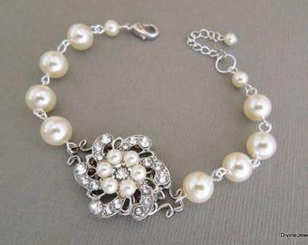 Ivory Swarovski Pearl Bracelet Pearl Bridal Swarovski Bracelet Wedding Pearl Bracelet Pearl Rhinestone Bracelet swarovski pearl AMELIA