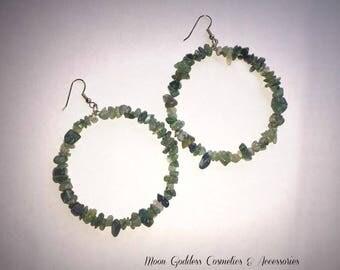 Emerald Chipped Gemstone Hoop Earrings