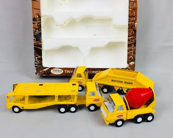 Tiny Tonka Construction set #822 Cement truck, Car hauling truck / trailer, Bottom dump truck / trailer In box Used