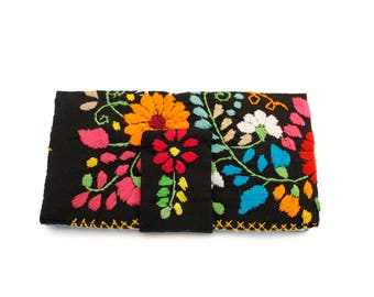 Womans Embroidered Wallet