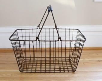 Antique Wire basket Large Antique wire basket perfect for storage Farmhouse decor