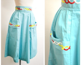 1950s Turquoise blue cotton embroidered pocket day skirt / 50s pleated deep waistband summer skirt - XS