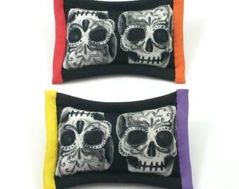 Catnip Sugar Skull, Day of the Dead Toys, Dia de los Muertos, Calavera, Catnip Skull, Black and White Skull, SUGAR SKULL ROW (2 pack)