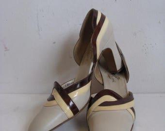 50OFF Event Vintage 1960s Italian Leather Shoes Beige Burgundy Cream Leather Color Block 60s Pumps Shoes 8A