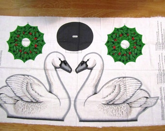 CHRiSTMAS SWAN CENTERPiECE WiLDLIFE CHRiSTMAS Wild Swan with Wreath Cut and Sew Fabric Panel