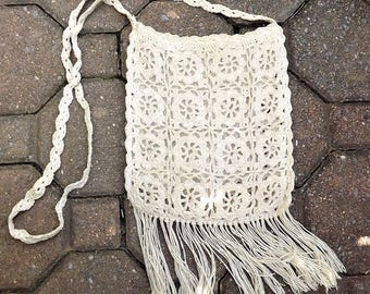 Macrame Bag, 1970s Hand Crochet Purse, Macrame with Fringe Bag, Hippie Bag, Macrame Shoulder Bag, Beige Woven Bag, Natural Fiber Rope Bag