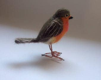 Needlefelted Robin/Needlefelted bird/Felted Robin OOAK/Bird's miniature