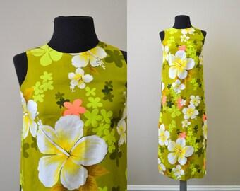 1960s Royal Hawaiian Floral Dress