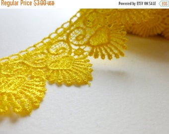 Discount Wide Crochet Lace trim in Yellow- 1 yard