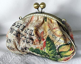 Retro pouch or kit in flowery cloth