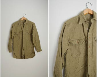 vintage 60s 70s wool green military distressed shirt button down -- mens medium  womens large