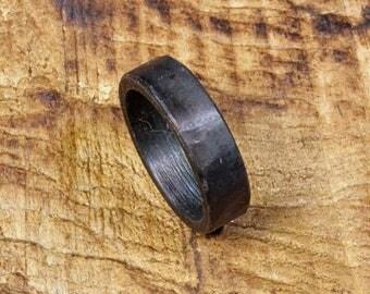 10 3/4 -- Iron ring --  i11928