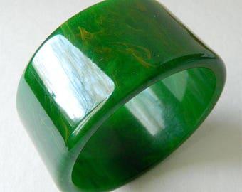 Vintage Wide Green Bakelite Bangle Bracelet