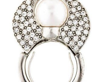 Oscar De La Renta Pearl Ring