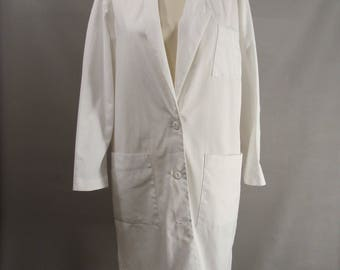 As-Is. White Lab Coat. diy MAD SCIENTIST COSTUMe. Bloody Butcher. or Customizable Zombie Costume. Optional Blood & Distressing  Size M 8