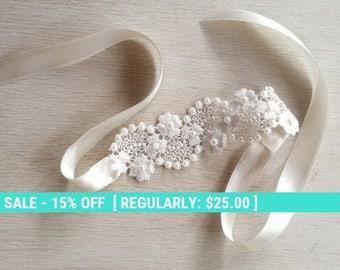 SUMMER SALE Bridal lace bracelet, lace cuff, wedding jewelry, Venice lace bracelet, ivory braclet
