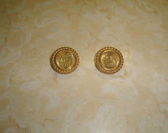 vintage clip on earrings goldtone crest shield laurel leaves