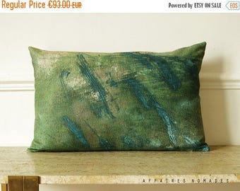 """ON SALE Pond of moss.  Nature-inspired. Vivid green  linen oblong pillowcase  14""""x 22""""...  / FRAGMENTS."""