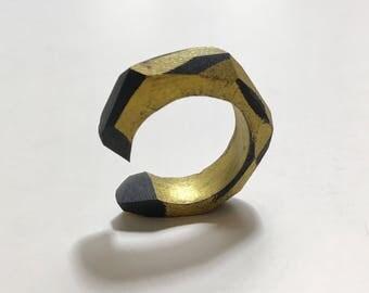 Ring No. 187: Black & Gold