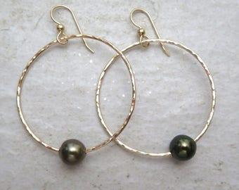 Tahitian Pearl Hoop Earrings, Gold Hammered Hoops, Genuine Black Pearls, Hawaii Beach Jewelry, Elegant Christmas Gift idea, Handmade Maui