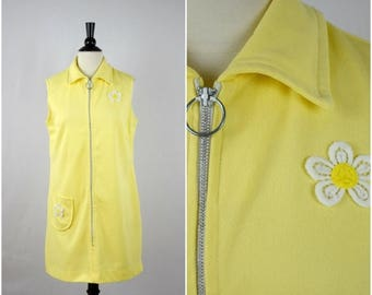 Moving Sale Vintage 60s sunny yellow mini dress with daisy flower patches